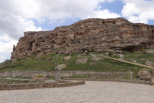 The Cave of Karaftu.
