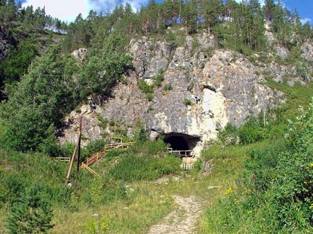 The Denisova Cave, Siberia, where the discovery of a fragment of Denisovan skull has now been confirmed. (Демин Алексей Барнаул/CC BY SA 4.0)
