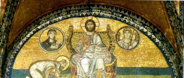 'The Emperor bowing before Christ.' (Ian Scott/CC BY SA 2.0) Mosaic above the inner entrance to the Church of Hagia Sophia, Istanbul. Christ is depicted on the throne of the cosmos receiving worship from the Byzantine emperor Theodosius I.
