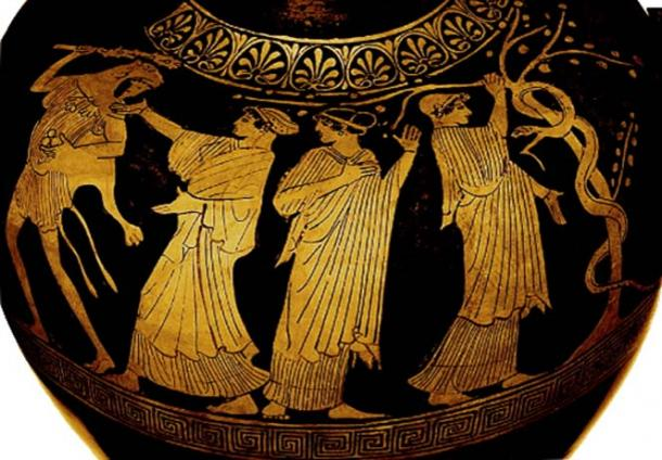 The Hesperides gesture for Heracles to not take the apples. (Author provided)