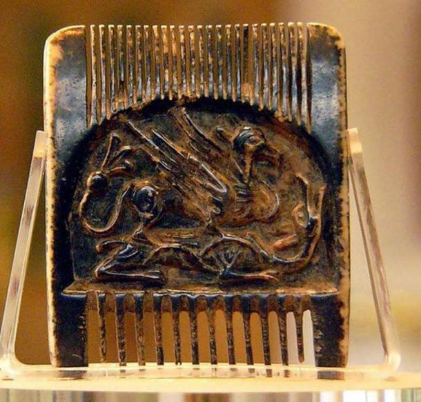The Jedburgh Comb, a comb found in Jedburgh Abbey. The comb was carved around 1100 from walrus ivory and this side is decorated with a griffin and a dragon. The comb only about 5 cm wide by 4.34 cm long, and is made from a single piece of walrus ivory. ( CC BY-SA 2.0 )