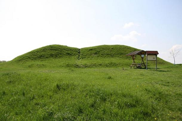 The Leubinger mound in Thuringia, Germany. (Public Domain)
