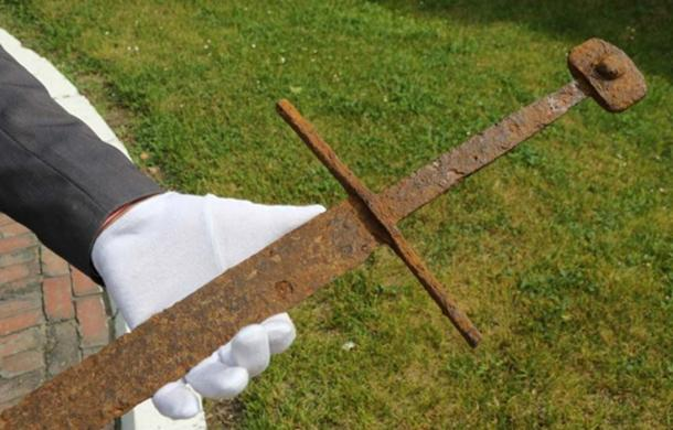 The Long Sword. Image: Fr. Stanisław Staszic Museum
