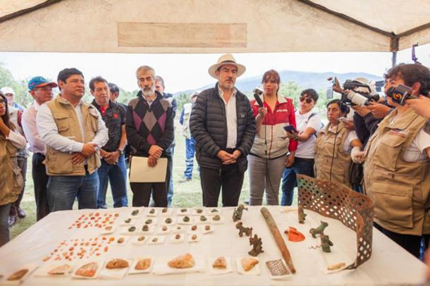 "The Minister of Culture calls the find an ""extraordinary discovery."" (DDC Cusco)"