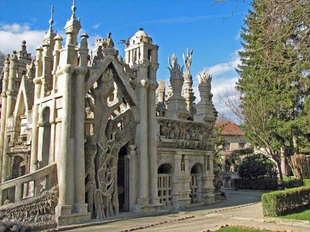 The Palais Idéal. Realized by the postman Ferndinand Cheval (Hauterives, France). South side.