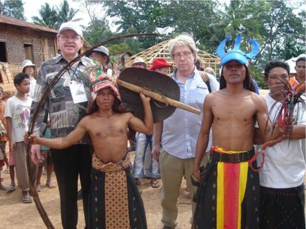 The Rampasasa men have a shorter-stature compared to the scientists (Maciej Henneberg and Robert Eckhardt) in this picture. (Maciej Henneberg and Robert Eckhardt)