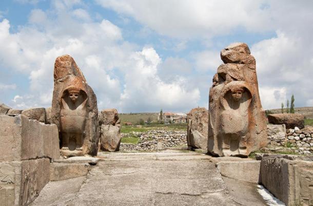 The Sphinx gate at Alacahöyük.