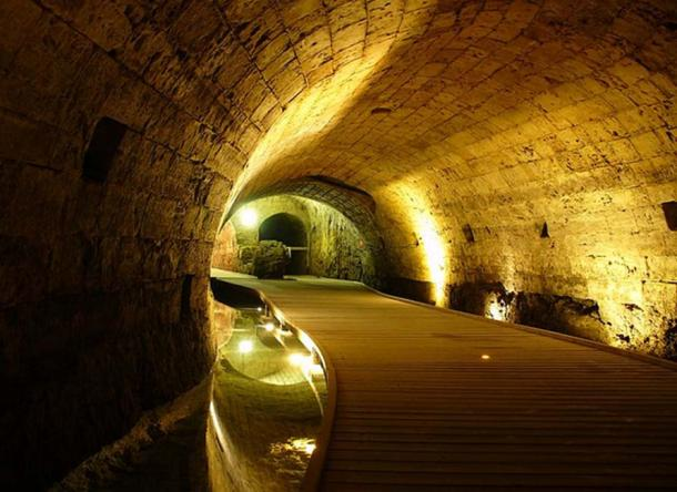 The Templar Tunnel in Acre, Israel. Source: Geagea / CC BY-SA 2.0.