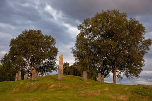 The Tinghaugen mound in Frosta municipality in Central Norway where the Frostating governing assembly took place – probably dating all the way back to the 400s AD. (Foto: Stig Morten Skjæran)