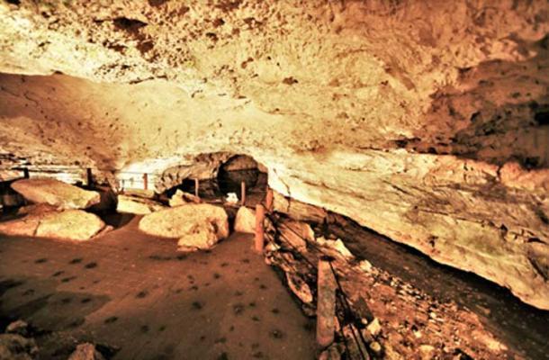 The Water Chamber of Balankanchè. (© georgefery.com)