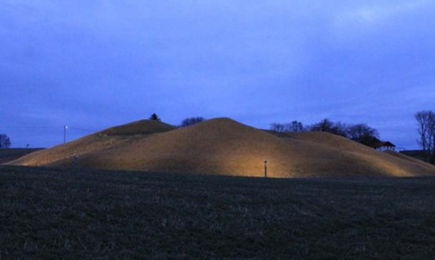 The burial mound on Leka island containing King Herlaug and eleven of his men originally was about 12.5 meters (41 ft) high with a diameter of more than 70 meters (230 ft). It is one of the largest Viking graves discovered in Norway – and the largest containing people. (Photo: ThorNews)