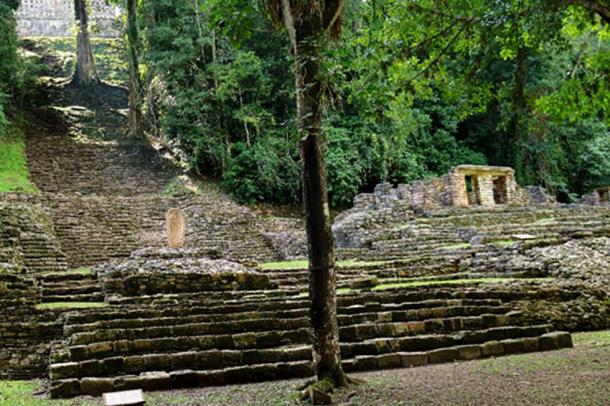 The ceremonial center at Yaxchilan is one of the largest Maya sites of the Classic period. (Photo: ©Marco M. Vigato)