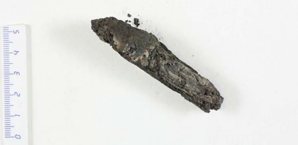 The charred scroll from En-Gedi. Image courtesy of the Leon Levy Dead Sea Scrolls Digital Library, IAA.