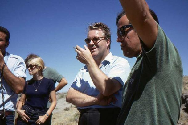 The controversial British archaeologist James Mellaart in the middle, smoking a cigarette at the neolithic site of Çatalhöyük in Turkey.