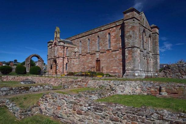 The dig of Aebbe's monastery concentrated on ground around Coldingham Priory in the Borders. (Maiya Pina-Dacier / DIGVENTURES/AERIAL-CAM)