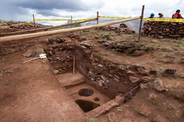 The excavations in the southeast corner of Pikillaqta's main plaza. (DDC Cusco)
