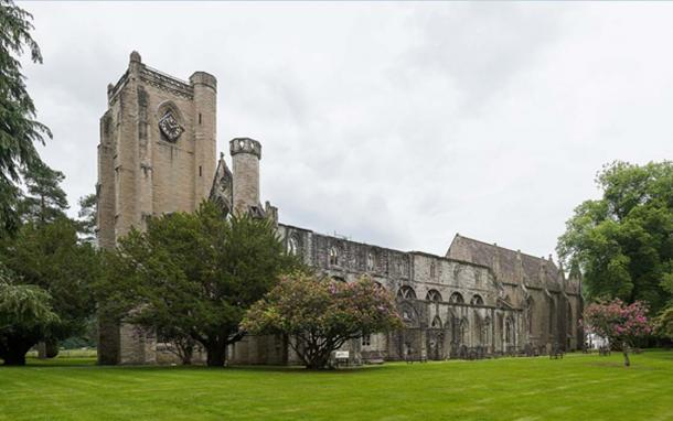 The exterior of Dunkeld Cathedral in Dunkeld, Scotland. (Diliff / CC BY-SA 3.0)