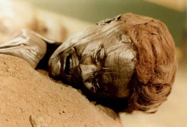 The face of the bog body known as Grauballe man. (Public Domain )