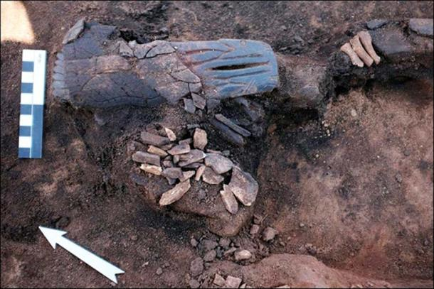 The figurine was made of an as yet unknown organic material. Pictures: Institute of Archaeology and Ethnography SB RAS