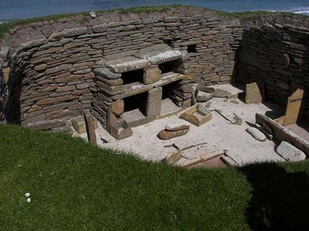 The inside of a Neolithic house constructed on Skara Brae in Orkney, northern Scotland. (Wknight94/CC BY SA 3.0)