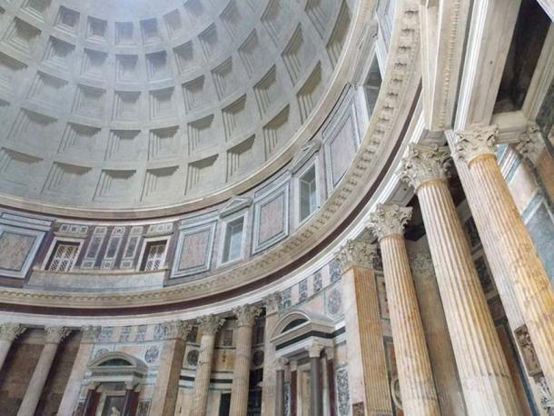 The interior of the Pantheon in Rome, a concrete mausoleum with a beautiful dome and rows of columns. (CC0)