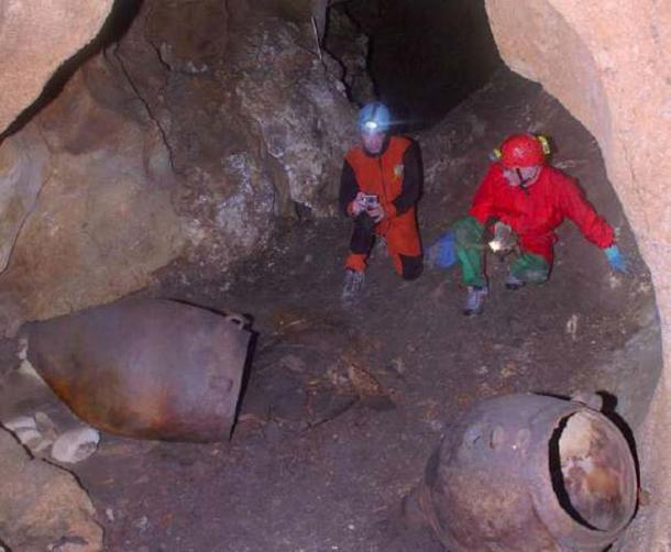 The jars found in a Sicilian cave were found to have small traces of wine residue
