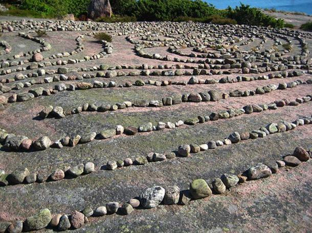The labyrinth on the island of Blå Jungfrun, Sweden. (Mingusrude/CC BY 3.0)