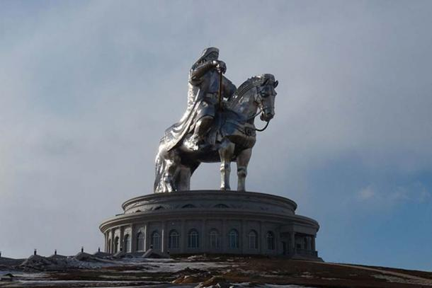 The largest equestrian statue in the world, depicting Genghis Khan (CC by SA 3.0)
