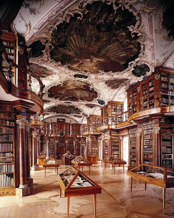 The library. (Stiftsbibliothek St. Gallen