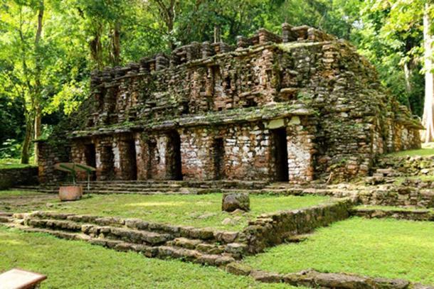 L'entrée principale du labyrinthe de Yaxchilan se trouve à partir d'un bâtiment bas d'un côté de la place principale, connu sous le nom de bâtiment 19. C'est l'une des structures les plus anciennes et les plus finement ornées du site. (Photo : ©Marco M. Vigato)
