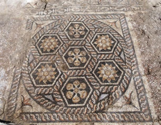The mosaic consisted of 7 hexagonal panels. (Ministry of Antiquities / Facebook)