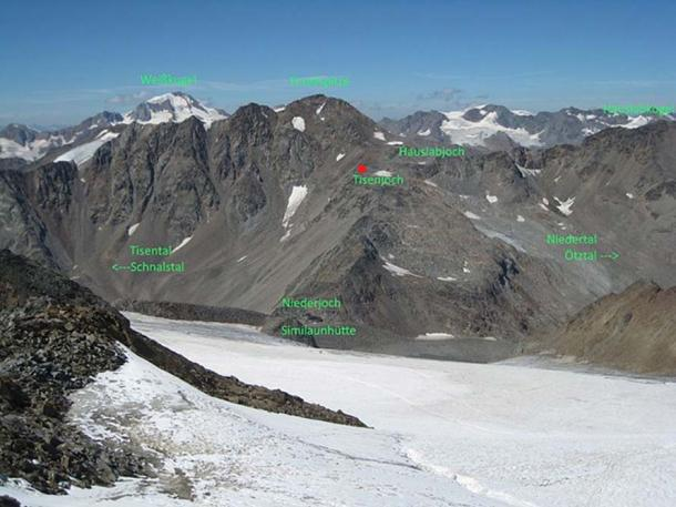 The mountain area where the mummy of Ötzi was found (marked by red dot)