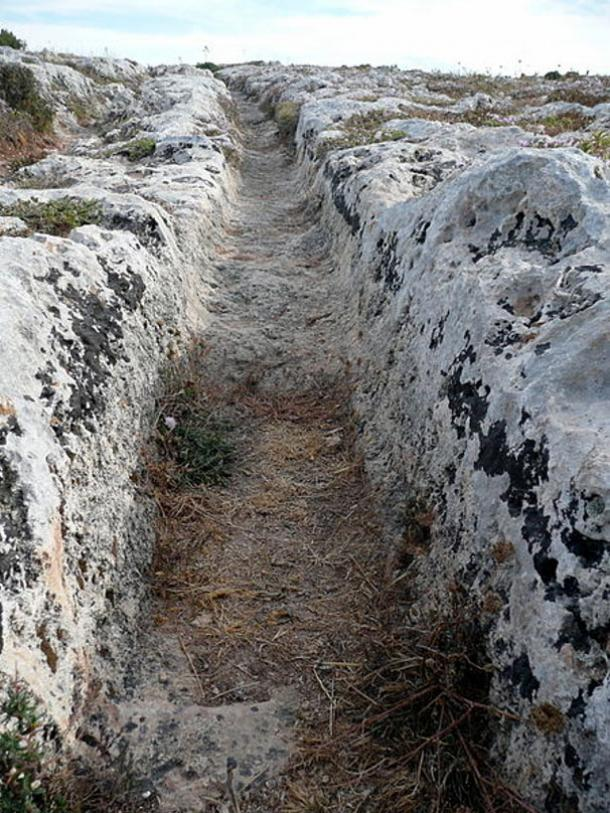 The mysterious Cart Ruts of Misrah Ghar il-Kbir.