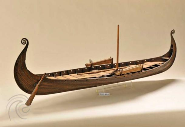 """The oars found in the Oseberg ship showed no signs of use. Was the ship custom-built as an exclusive """"coffin"""" ordered by the two women in the grave?"""
