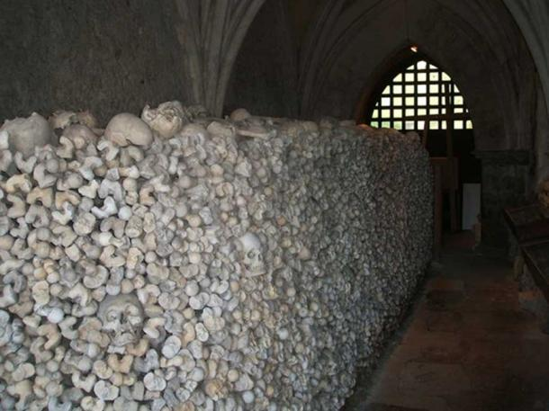 The ossuary in the crypt of St Leonard's Church is one of only two in England. (CC BY-SA 2.0)