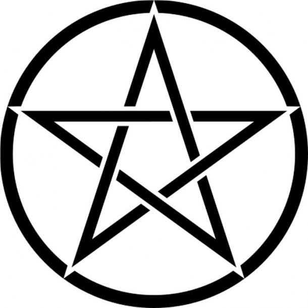 The pentagram is applied on the threshold and doorframe of the bedroom for protection. (Public Domain)