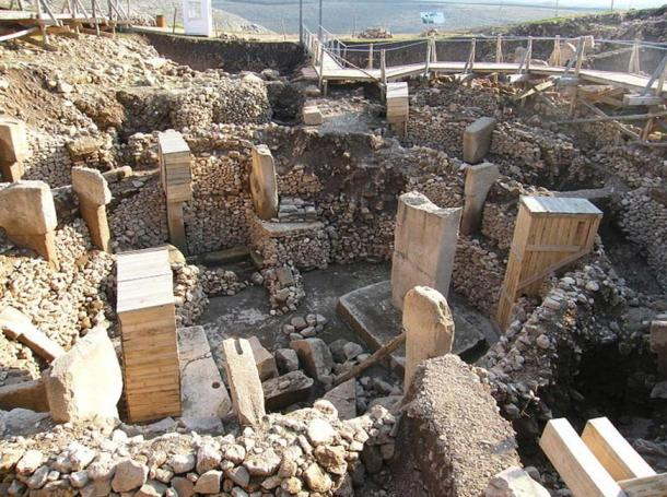 The ruins of Göbeklitepe in Turkey, the oldest temple in the world. What do these mysterious stones communicate to us about the very ancient past?
