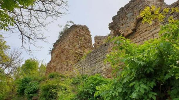 The ruins of the Zishtova (Kaleto) Fortress in Svishtov are among the tallest surviving ruins of medieval fortresses in Bulgaria. (Svishtov Municipality)