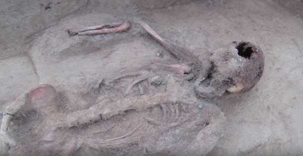 The skeleton was found in varying states of preservation. (Youtube Screenshot)