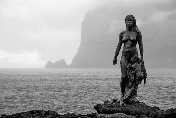 The statue of the selkie, Kópakonan, in Mikladalur, Faroe. (CC BY-SA 2.O)