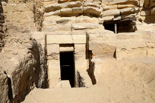 The tomb was found in a buried ridge. (Egyptian Ministry of Antiquities)