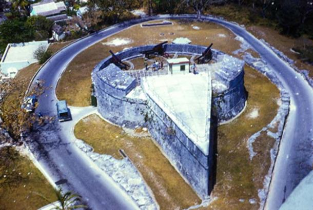 The unusual triangular and semi-circular shape of Fort Fincastle (CC BY NC-2.0)