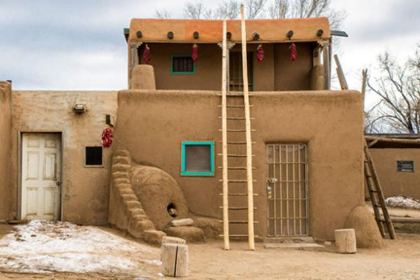 The use of ladders is still seen in Taos Pueblo