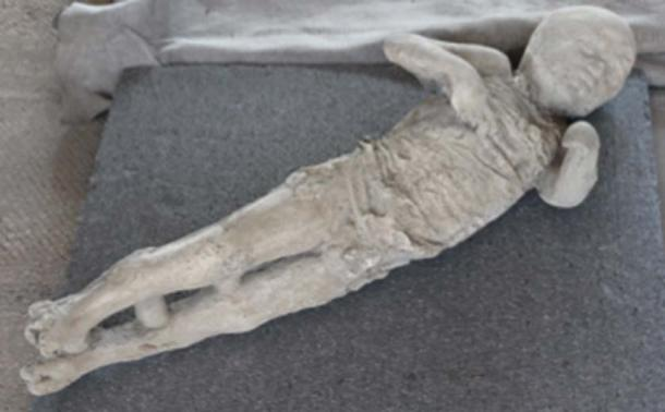The victims of the volcanic eruption in Pompeii remained encased in the compacted ash. (themadpenguin / CC BY-SA 2.0)
