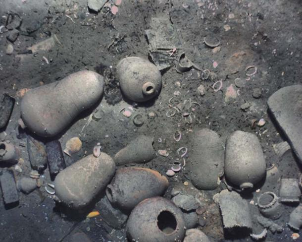 The wreck was partially sediment-covered, but with the camera images from the lower altitude REMUS missions, the crew was able to see new details, such as ceramics and other artifacts. (REMUS image, Woods Hole Oceanographic Institution)