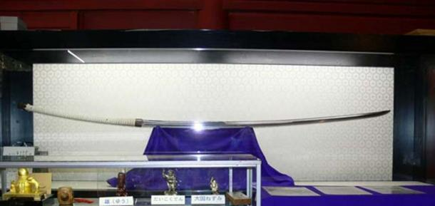 This Nodachi long sword at over 1.5 meters (5 feet) long is still small in comparison to the Norimitsu Odachi