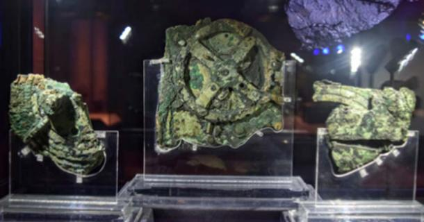 This device, found in the Antikythera Shipwreck, named the Antikythera mechanism, is considered the oldest computer in the world. Through a series of gears, it was used to predict astronomical positions and eclipses for calendrical and astrological purposes. (Weekend Wayfarers / CC BY-SA 2.0)