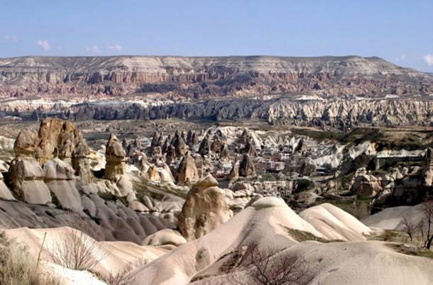 This expansive fortress-city of Cappadocia, Turkey. (CillanXC / CC BY-SA 3.0)