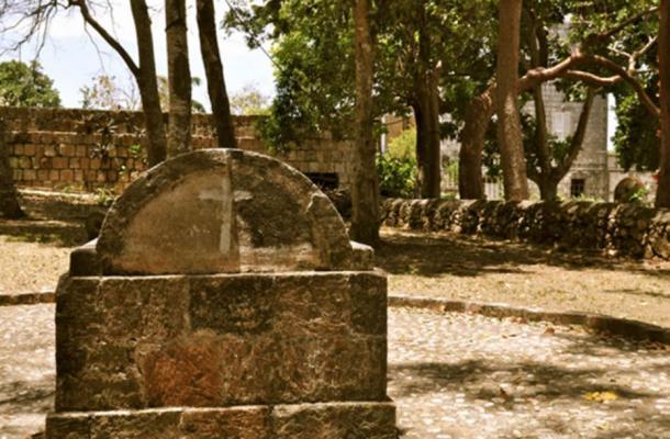 Предполага се, че тази гробница в Роуз Хол, Ямайка, е тази, в която е погребана Ани Палмър.