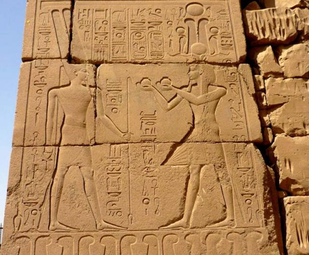 This wall relief on the Tenth Pylon at Karnak Temple shows Horemheb making offerings to Amun Ra. The king was determined to bring order to the realm following the state of confusion that was witnessed during the Amarna epoch. (Photo: Rémih / CC by SA 3.0)